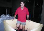 Ricardo a pisar as uvas
